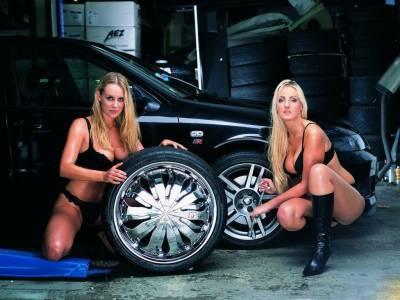 бесплатные эротические картинки девушки и авто ремонт